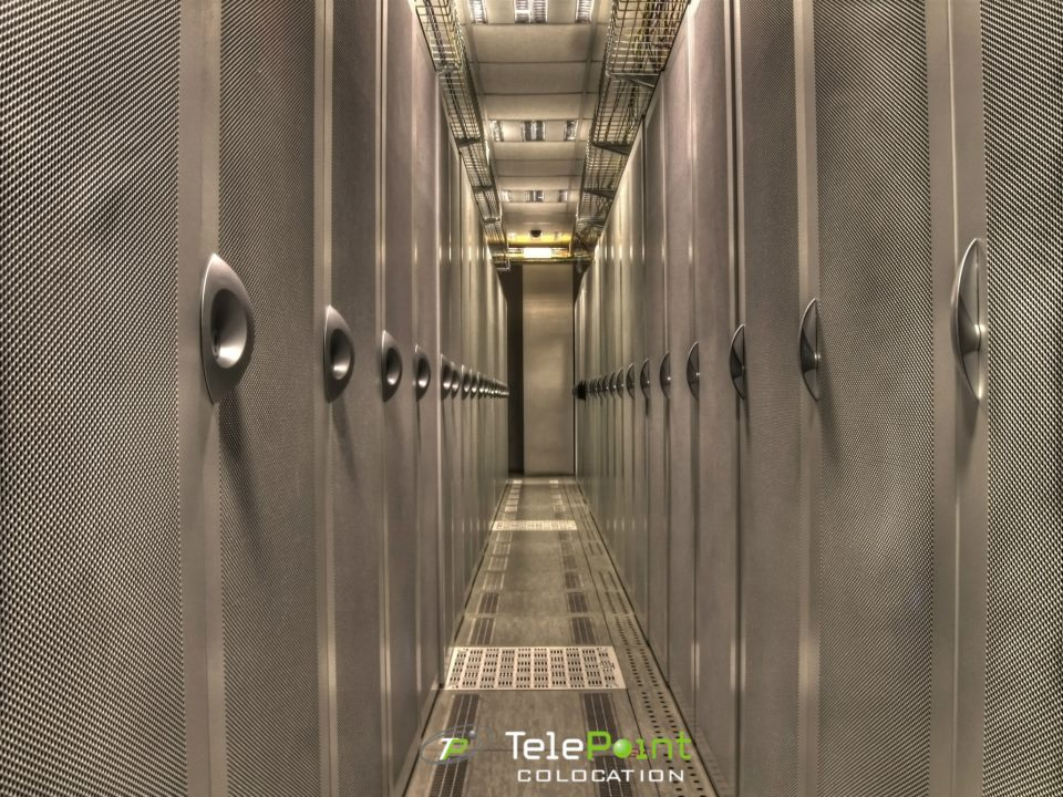 iClickAndHost now partners wit TelePoint CoLo